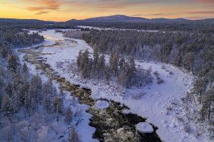 005.Winter river